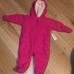 NWT Old Navy fleece snowsuit 0-3 months